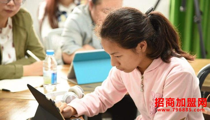 一对一艺术<a href=http://www.796885.com/pro/jiaoyujm/ target=_blank class=infotextkey>教育加盟</a>