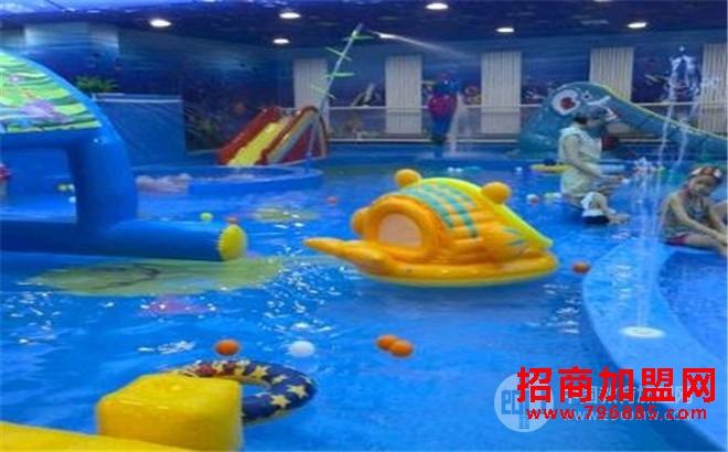 水之恋婴幼儿游泳馆